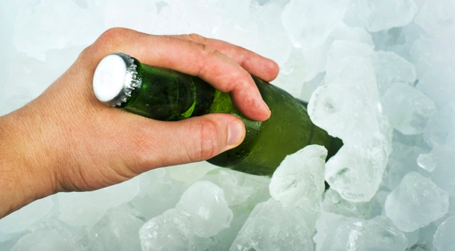 beer ice cubes dreamstime xl 31879589 640x353